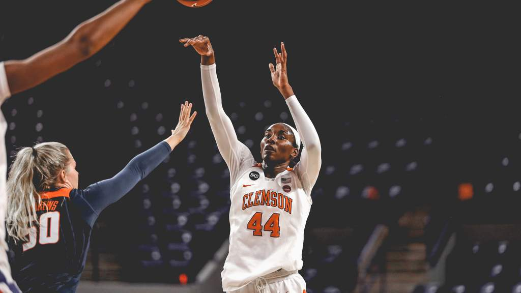 Clemson Downs Fighting Illini in Overtime