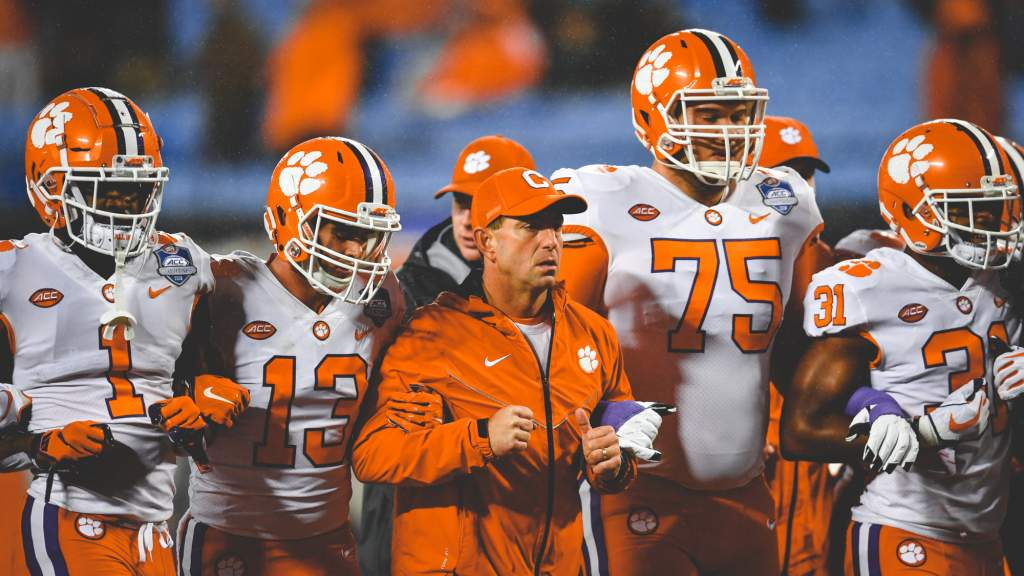 Swinney Earns Woody Hayes Award