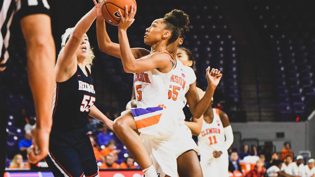 Clemson Holds Off Belmont for Third Straight Win