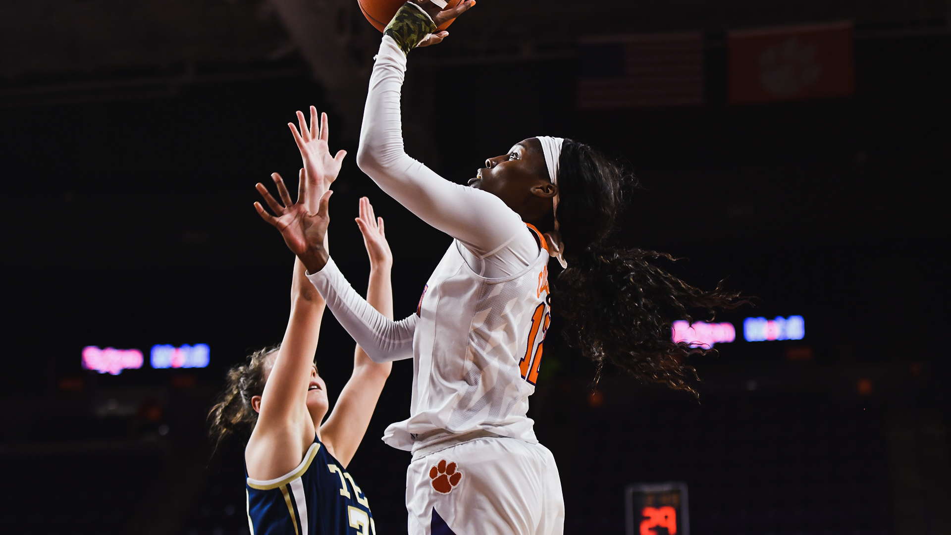 Clemson Keeps Rolling With Fourth Straight Win