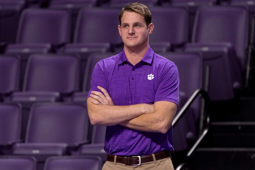 Volleyball Inks Lucas as Assistant Coach