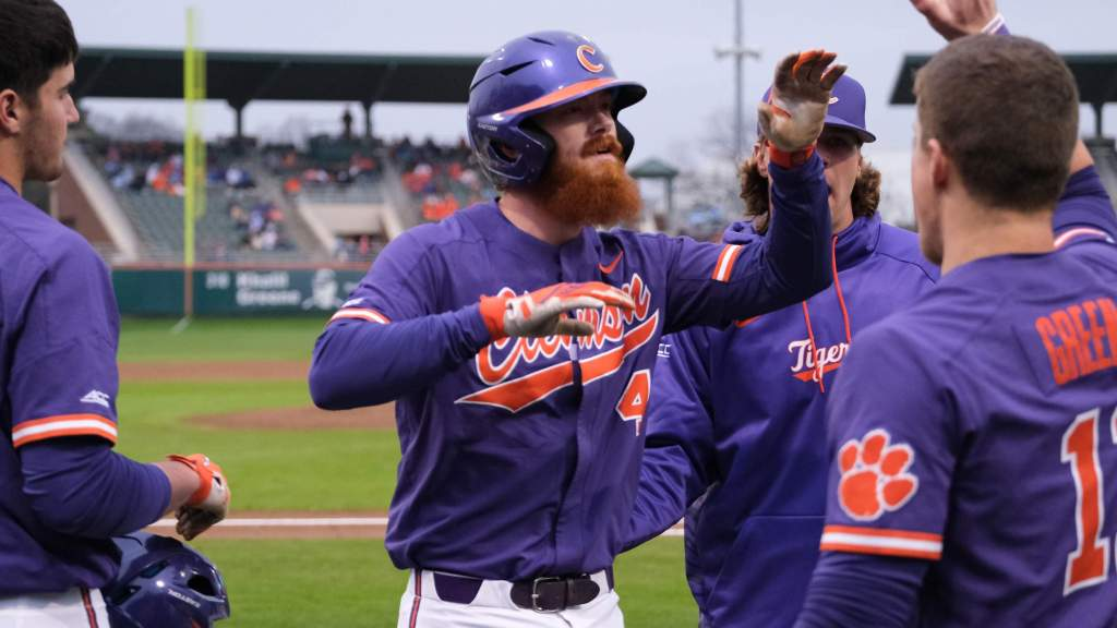 Clemson Clobbers No. 3 North Carolina 17-3 Behind 20 Hits in Game 2 of Doubleheader