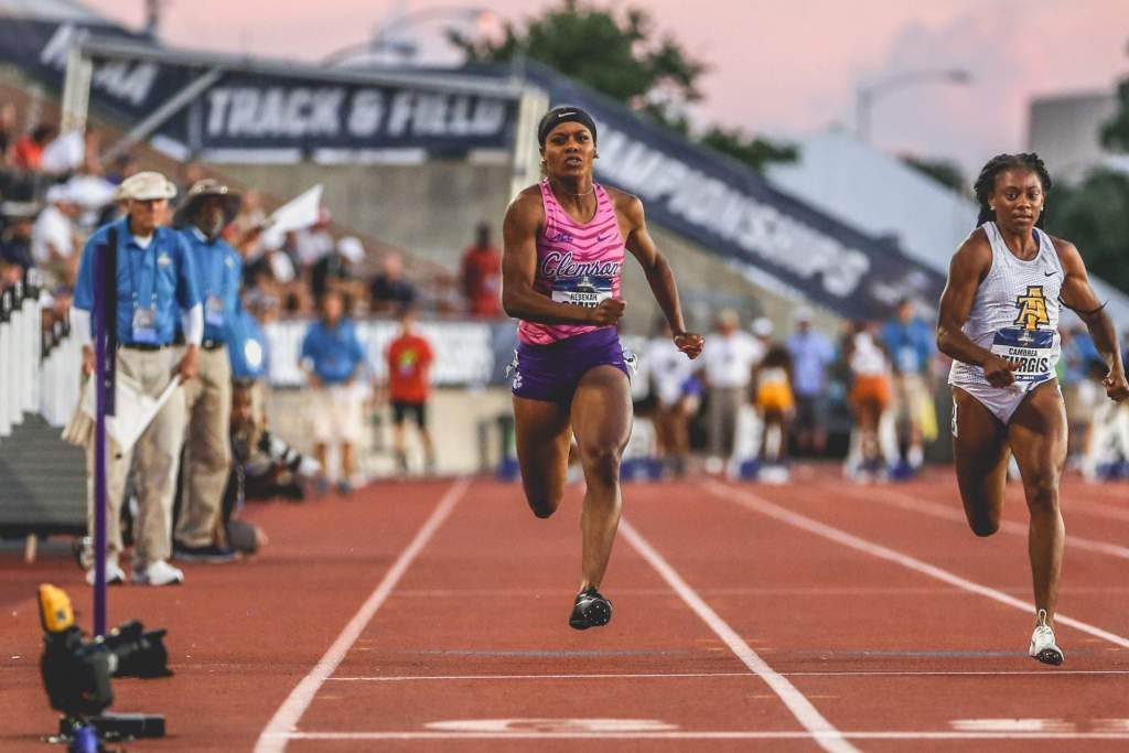 Women's 4x100m, Smith Claim All-America Honors Thursday