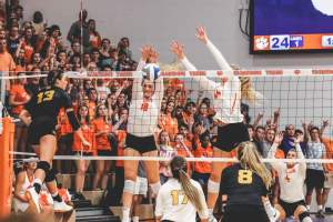 Play video: 🎥 HIGHLIGHTS: Clemson 3, Kennesaw State 1