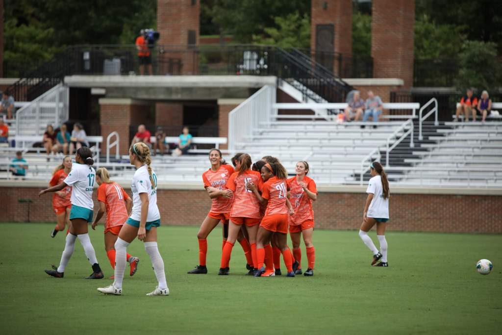 Tigers Dominate Chanticleers in Sunday Match
