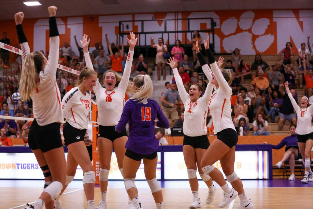 Clemson Sweeps Charlotte In Exhibition Saturday