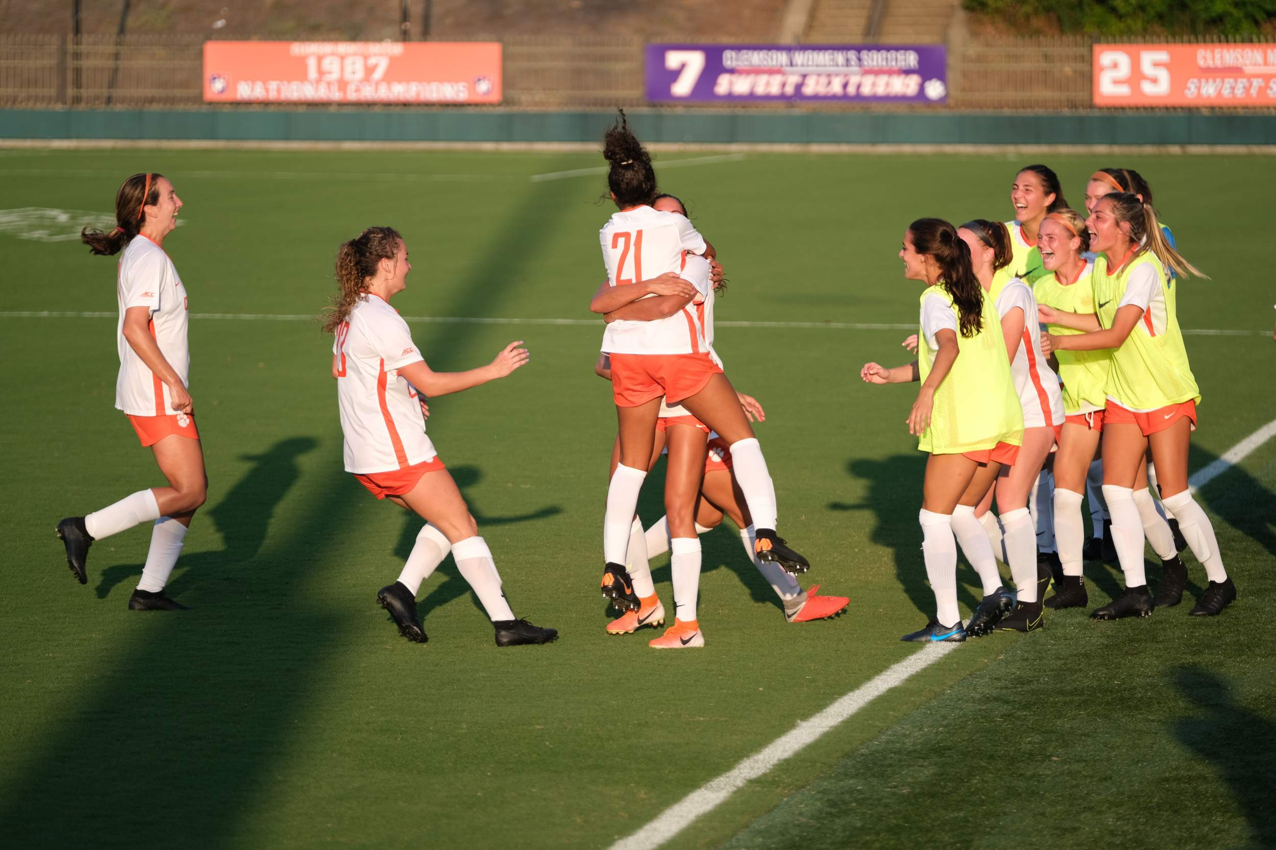 No. 10 Clemson Opens Up ACC Play Against Notre Dame