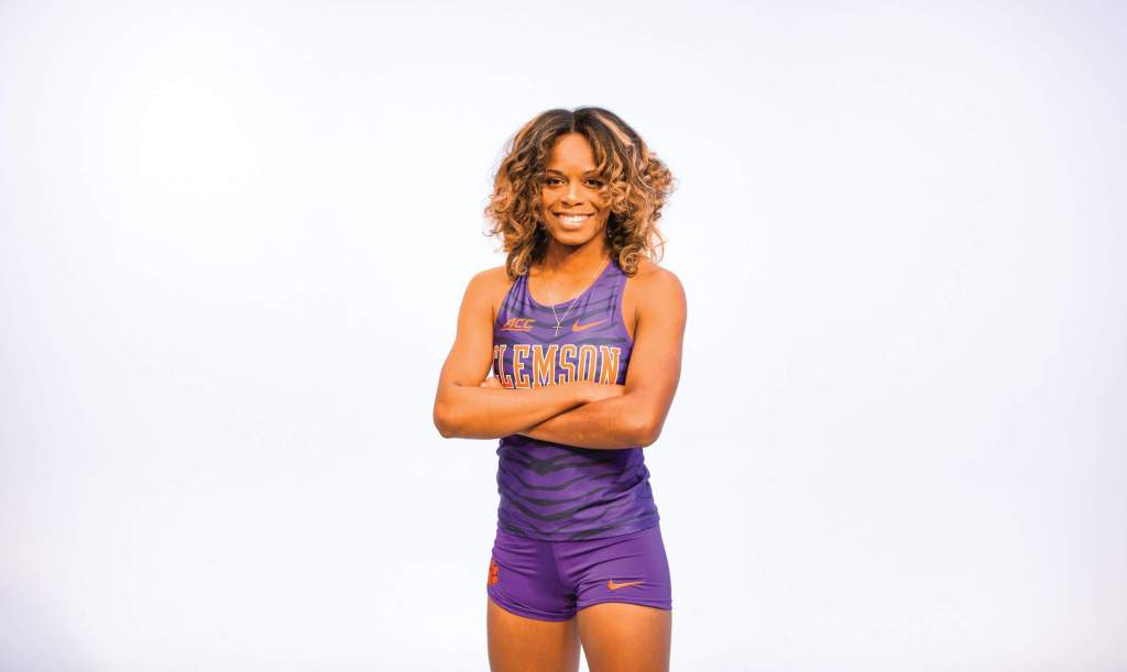 Rebekah Smith – Women's Track & Field Spotlight