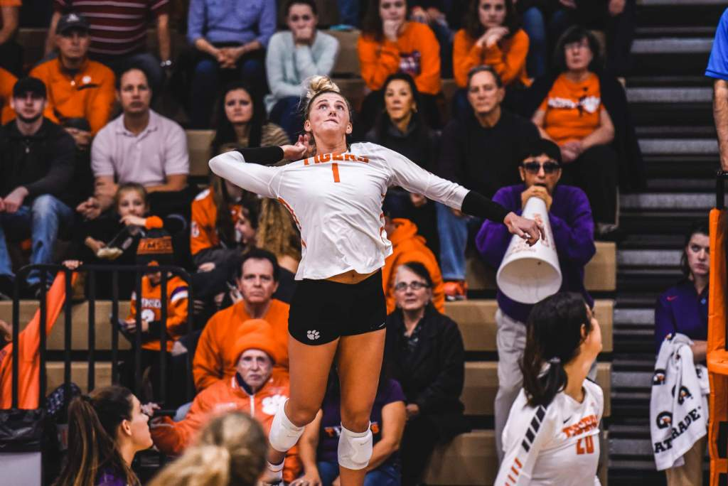 Hokies Edge Clemson in Five Sets