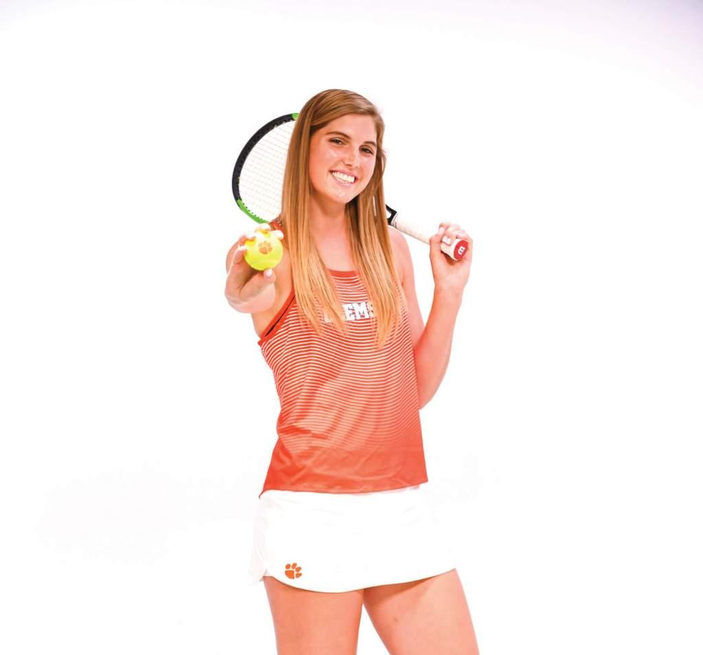 Mackenzy Middlebrooks – Women's Tennis Spotlight