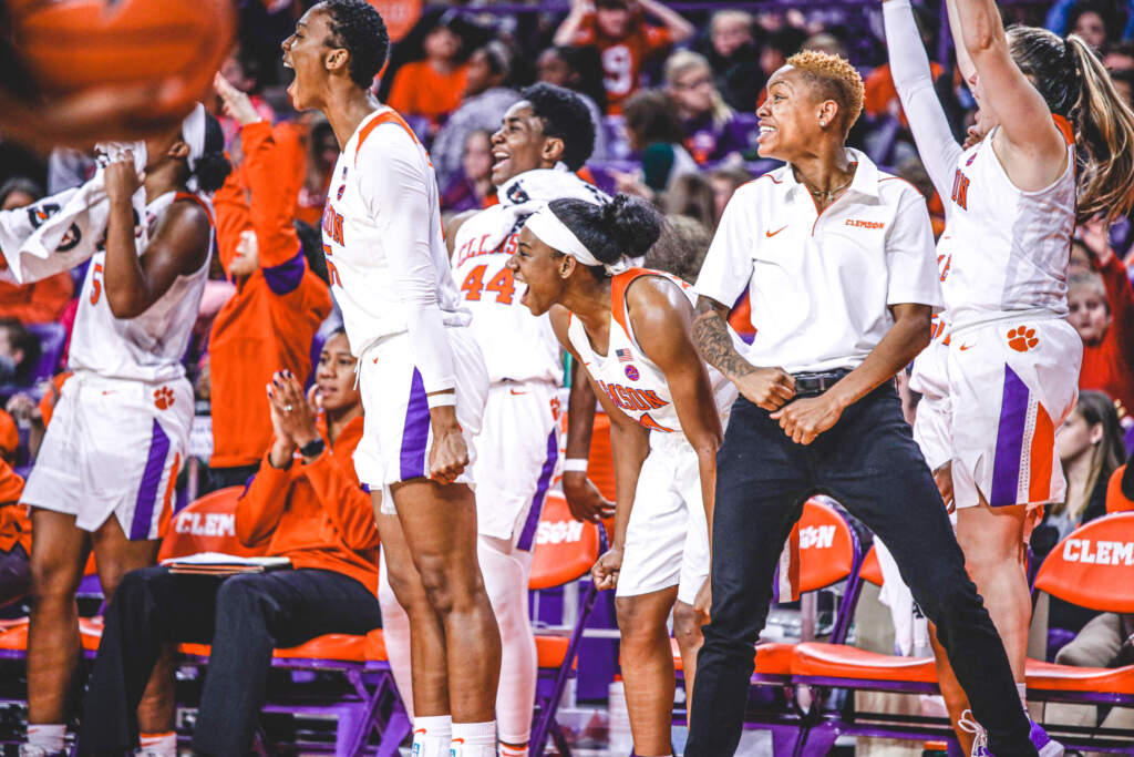 Balanced Scoring Leads Tigers to Monday Victory