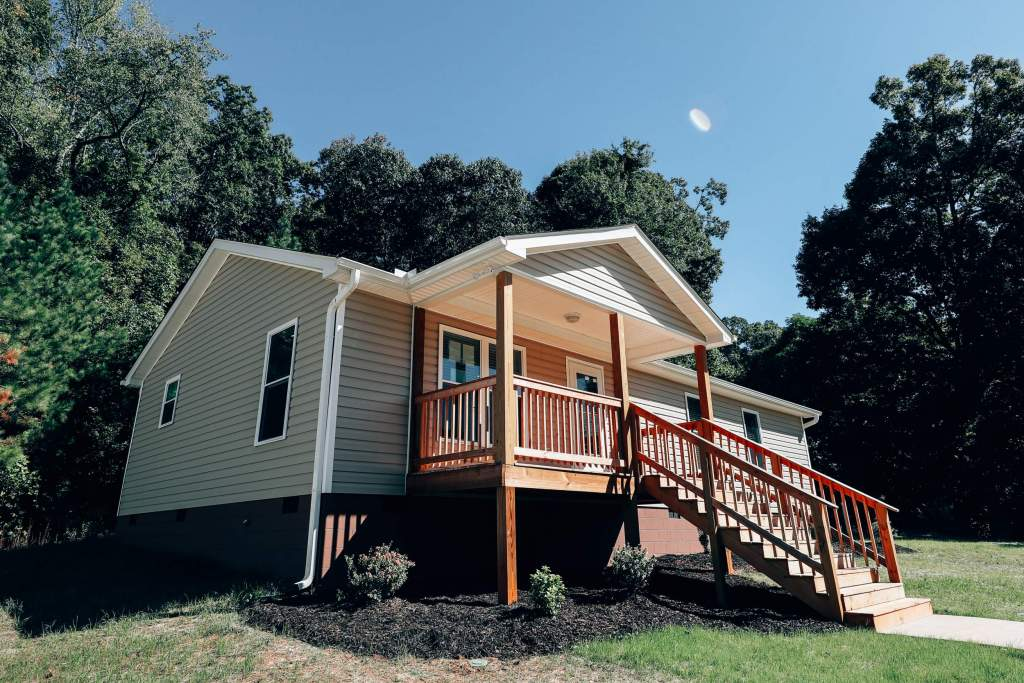 Clemson Athletics Builds Habitat for Humanity Home