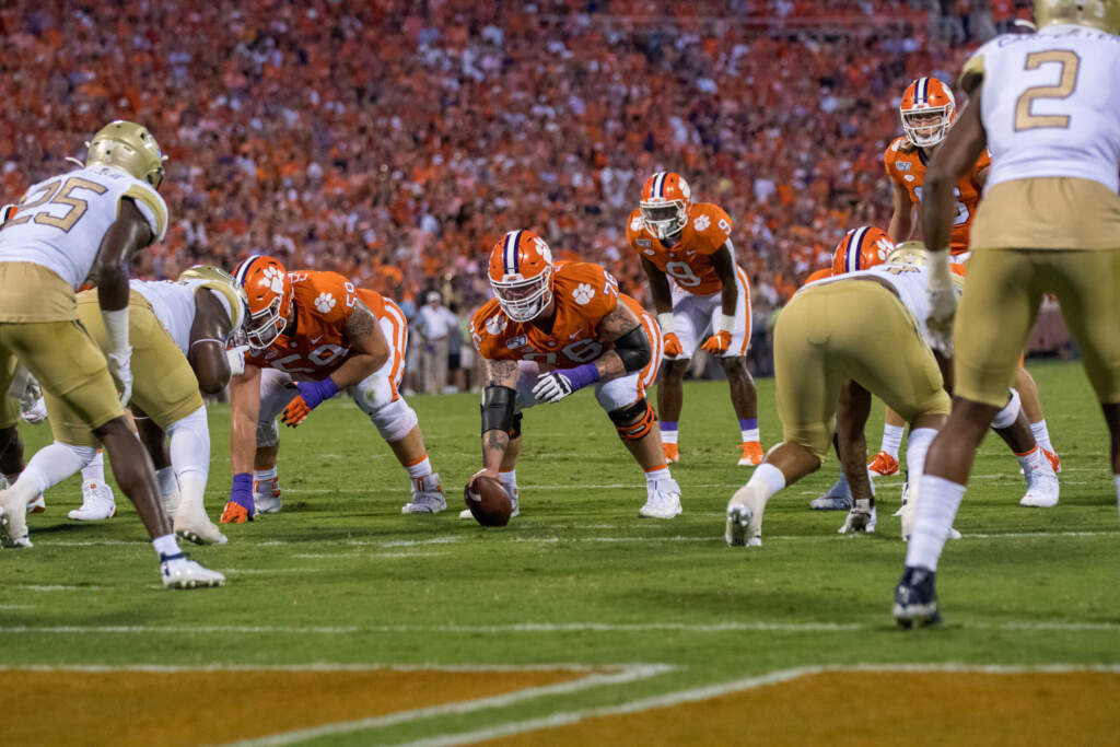 Clemson Offensive Line Named As Joe Moore Award Semifinalist