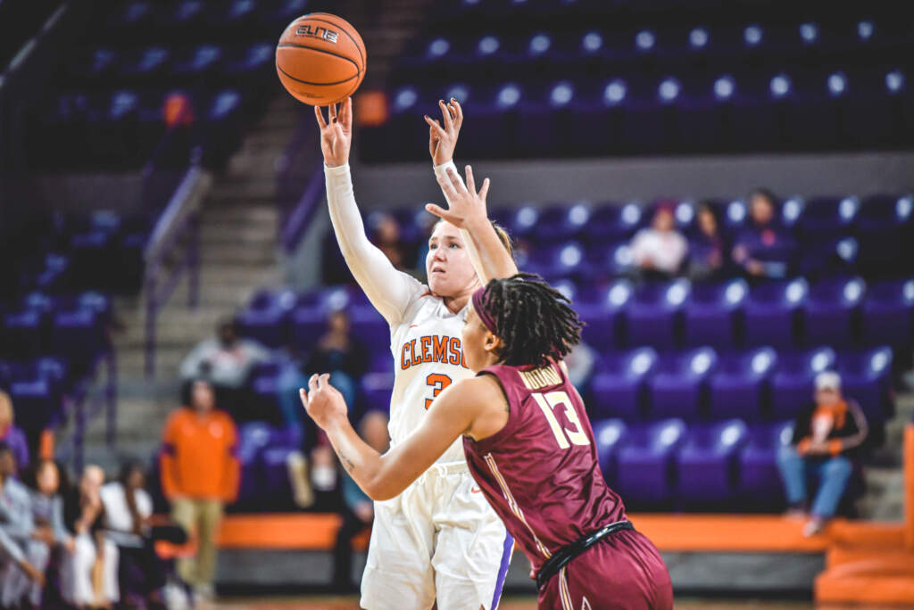 Spray Posts Season High, Tigers Fall to No. 8/10 Florida State