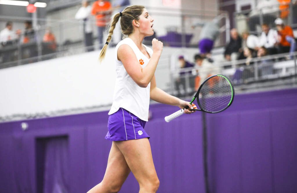 Tigers Advance to 3-0 With Win Over College of Charleston