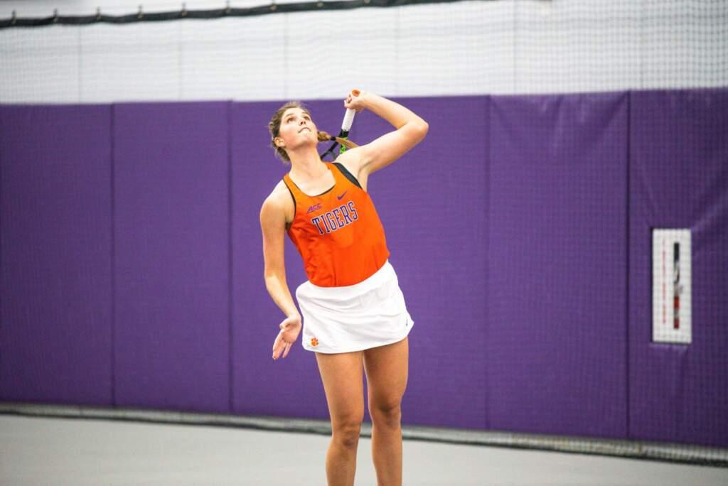 Women's Tennis Faces Major Test at No. 3 Georgia