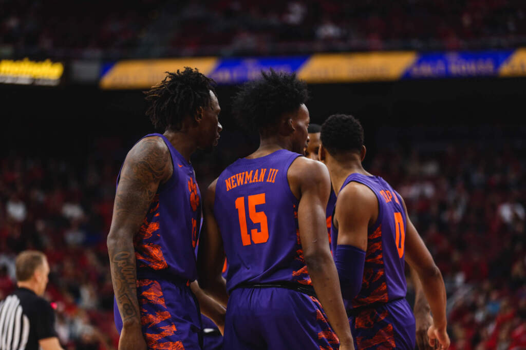 Clemson Falls to No. 6/5 Louisville 80-62