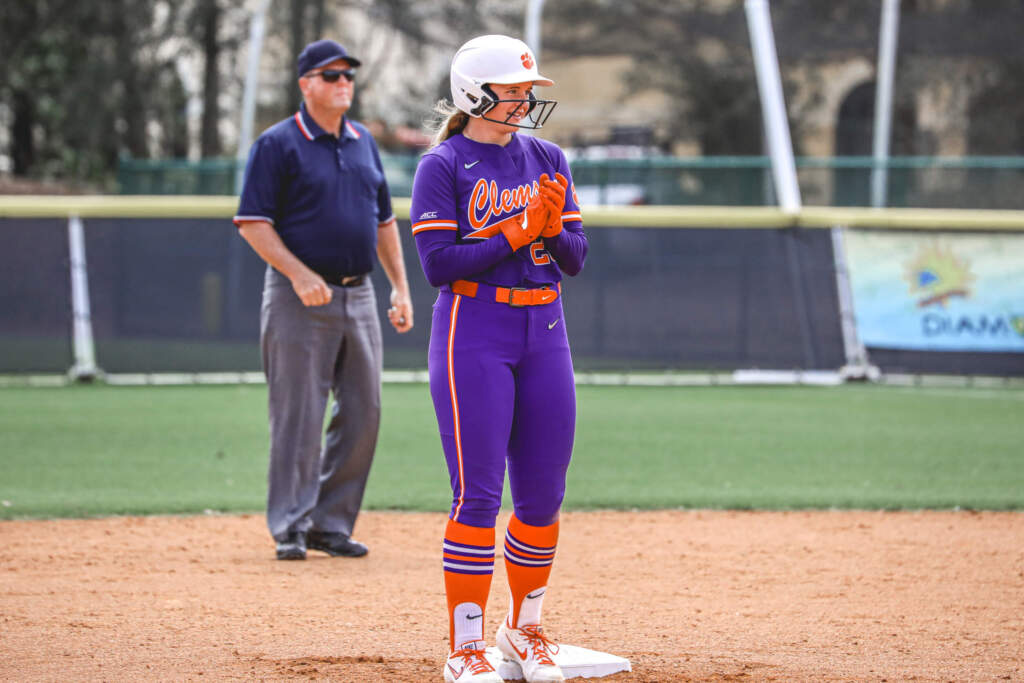 Tigers Down Stetson 8-6 in Extra Innings