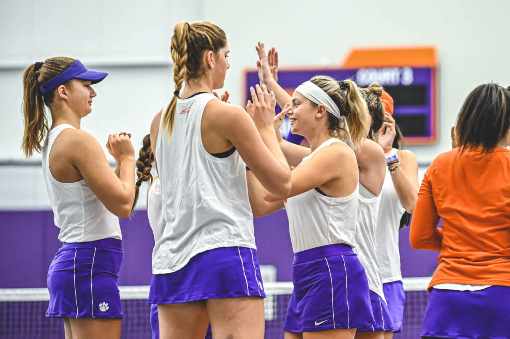Clemson Sweeps Saturday Doubleheader