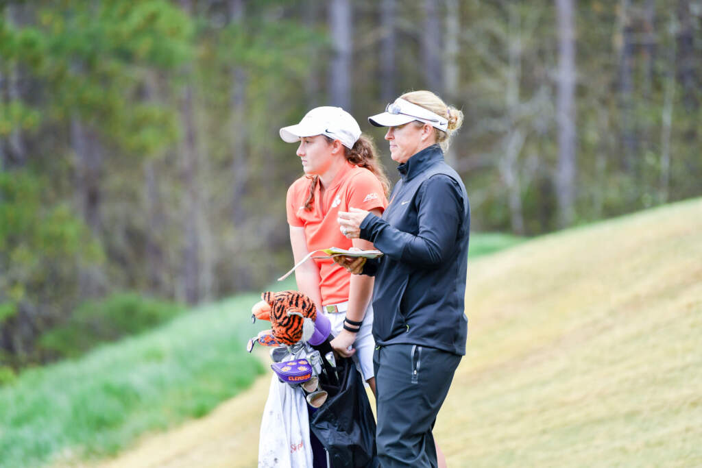 Women's Golf Moves Up Four Spots In Second Round
