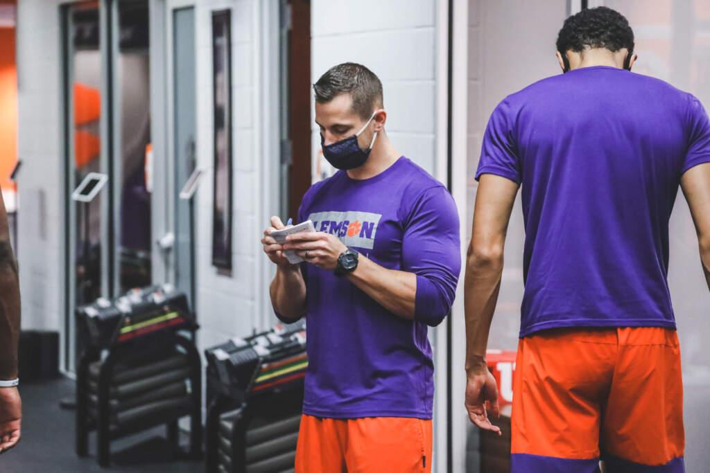 Clemson Basketball Announces Hiring of Justin McClelland