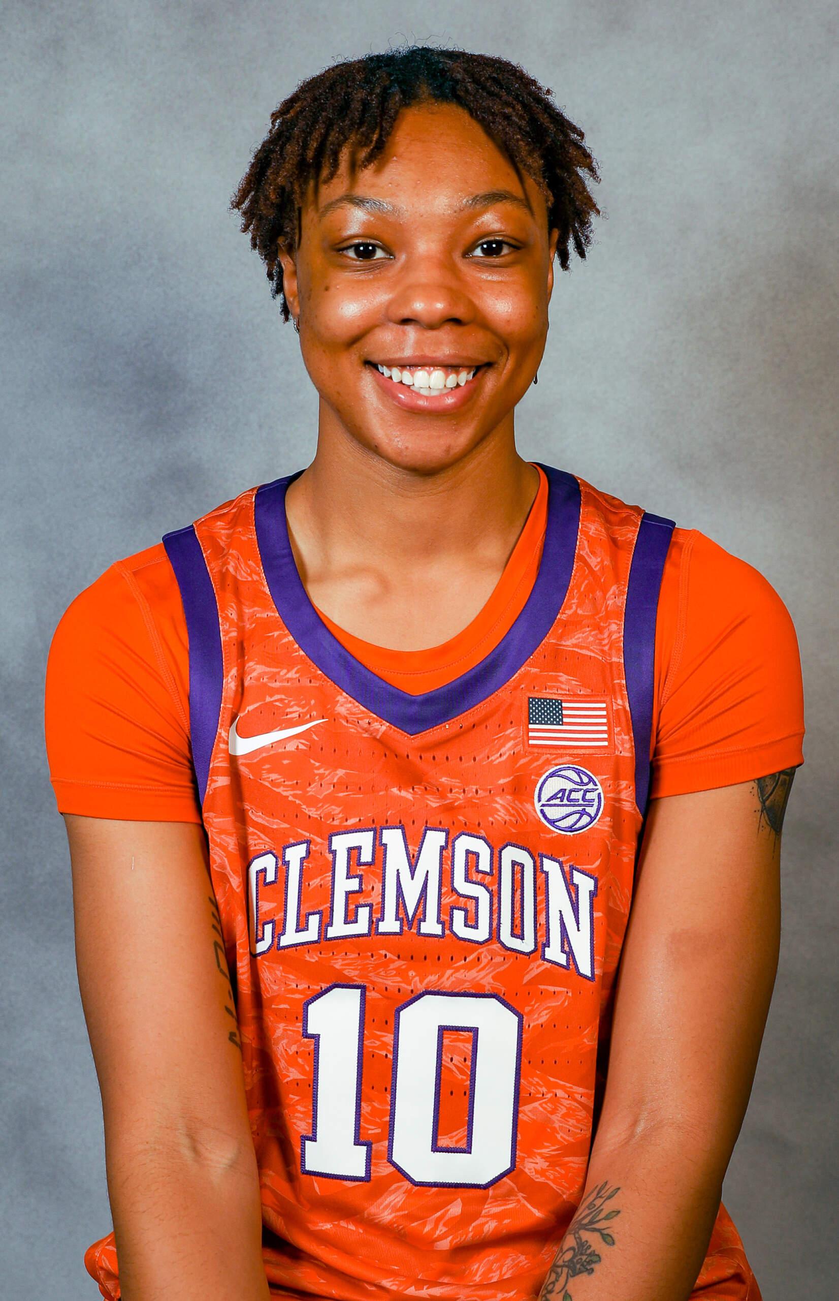 Gabby Elliott - Women's Basketball - Clemson University Athletics