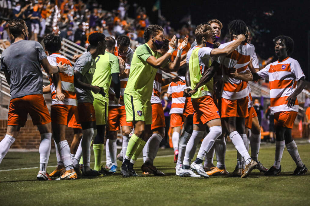 No. 2 Clemson Meets No. 1 Pittsburgh in ACC Championship Final Sunday