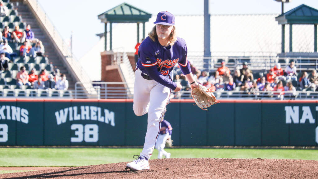 No. 25 Clemson Outlasts Cincinnati 5-2