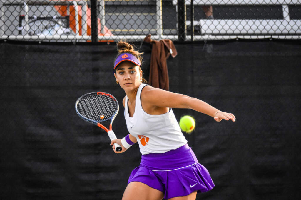 Women's Tennis Hits The Road to Face No. 11 NC State and No. 32 Wake Forest
