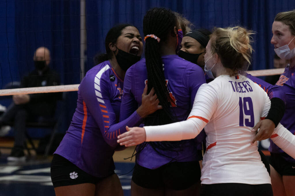 Hannah's Career Day Guides Tigers in Five-Set Comeback Over UNC