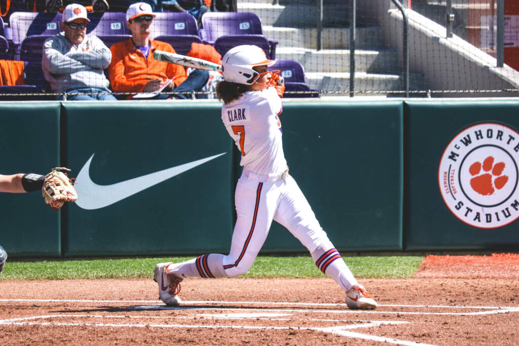 Tigers Complete Sweep Over UNC in 9-1 Victory