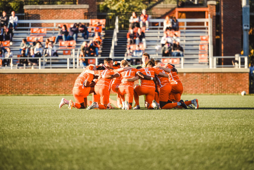 Clemson Falls at Louisville, 2-1, in Regular-Season Finale