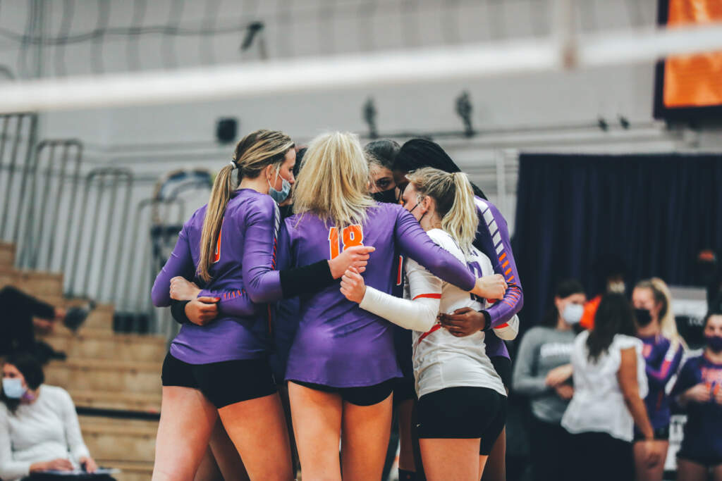 No. 18 Pitt Downs Clemson, 3-0