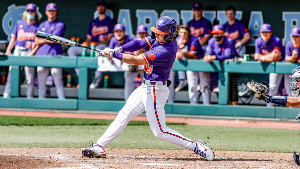Clemson Faces Georgia in Athens
