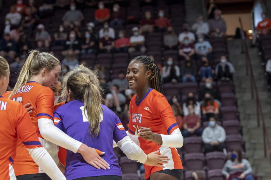 Volleyball Sweeps Hokies in Blacksburg