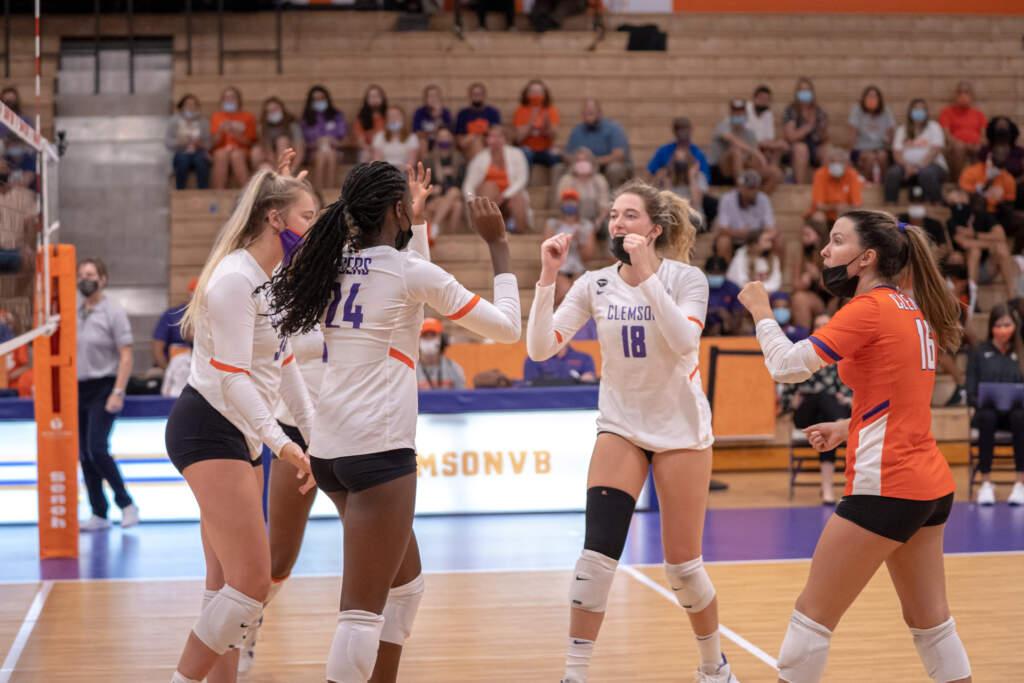 Clemson Volleyball Clips KSU Owls in Four Sets