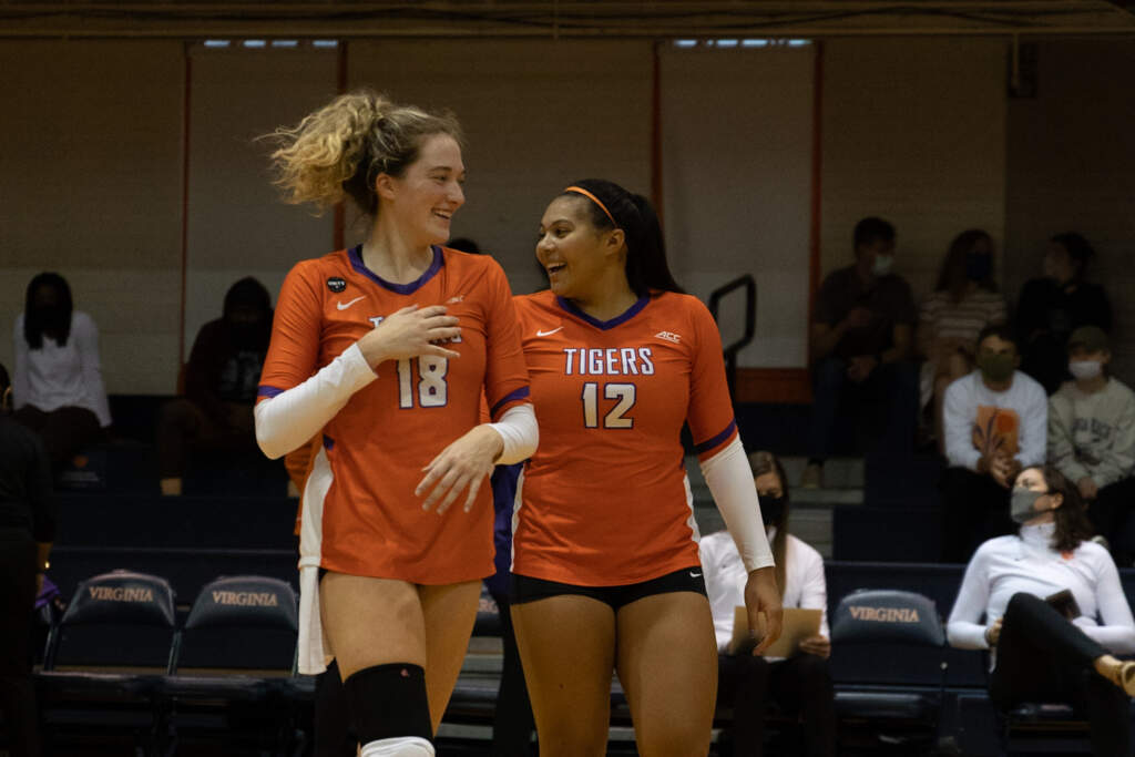 Clemson Outlasts Virginia For Five-Set Road Win