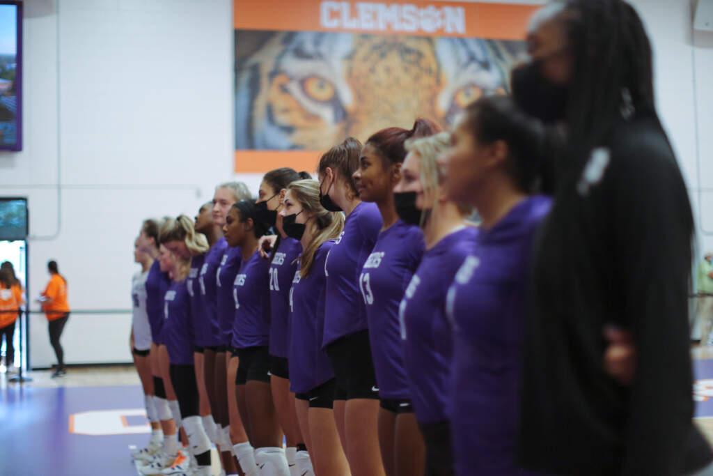 Volleyball Falls to No. 16 Georgia Tech